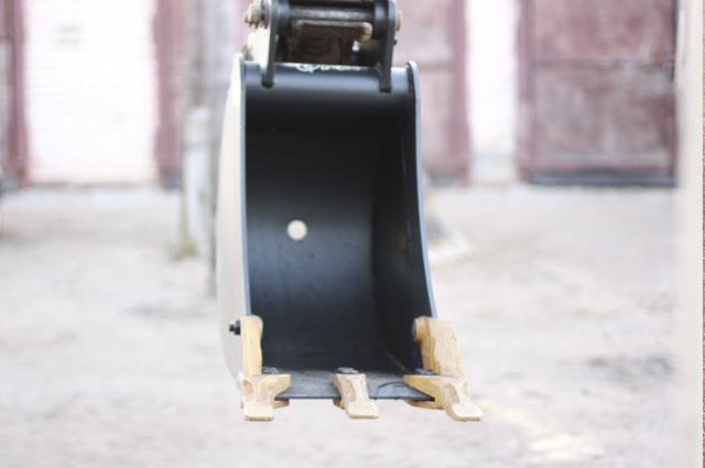 Аренда экскаватора с ковшом 400мм