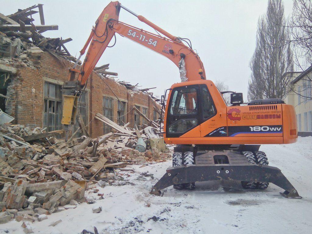 Снос, разбор и демонтаж зданий экскаватором Doosan